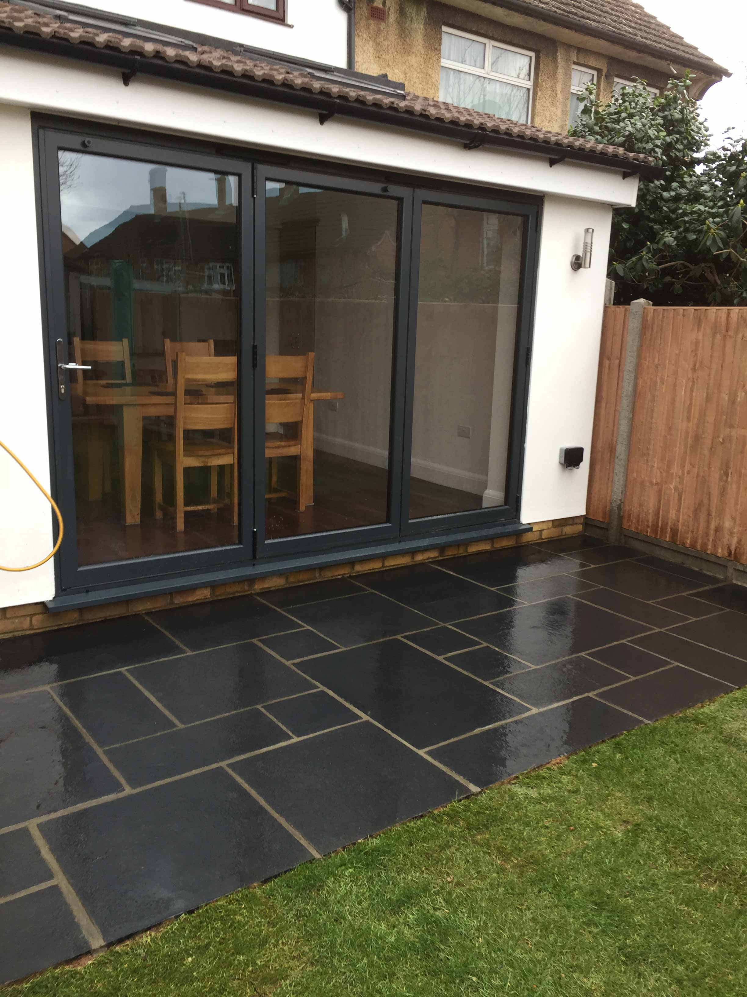 Patio in Theydon